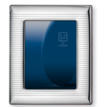 Modern style wide cane silver frame, with horizontal lines.