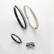 Set of bracelets and rings of gold and enamel with diamonds