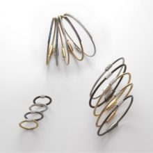 """Set of rings and bracelets & quot; Tubogas"""" in different colors of gold of 18 Carat and diamonds"""