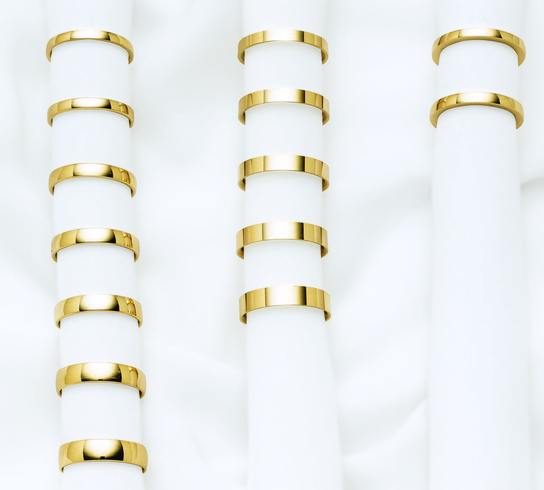 Alianzas de oro para boda o compromiso, de LK.