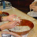 Hilado de collares de perlas cultivadas