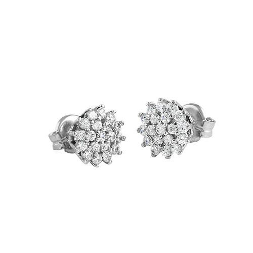 Pendientes de oro blanco y diamantes, en forma de roseta, de Maj Joyeros.
