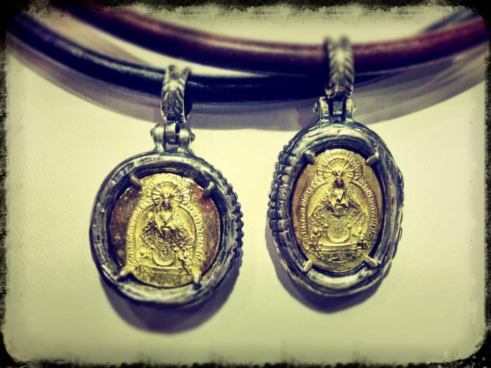 Medalla de la Virgen de los Remedios de Vélez-Málaga.