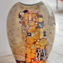 "Goebel: porcelain vase with painting & quot; Embrace"" by Gustav Klimt"