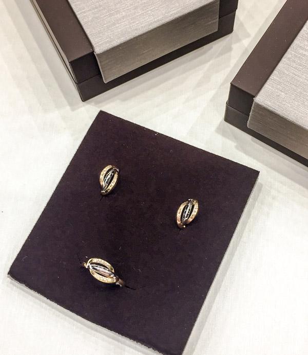 Set de pendientes y anillo para niña de comunión de oro.