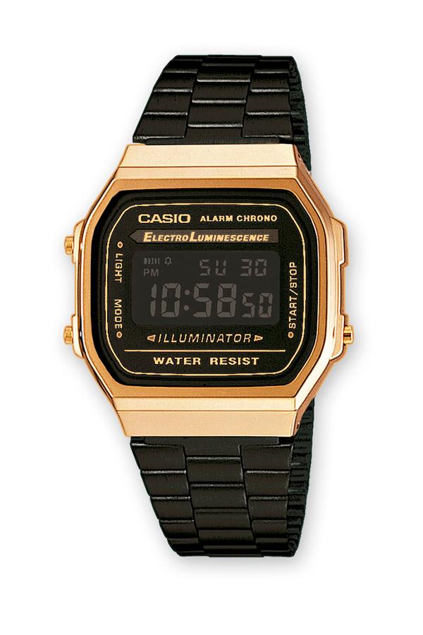 Reloj Casio de la colección Retro, chapado en negro y dorado.