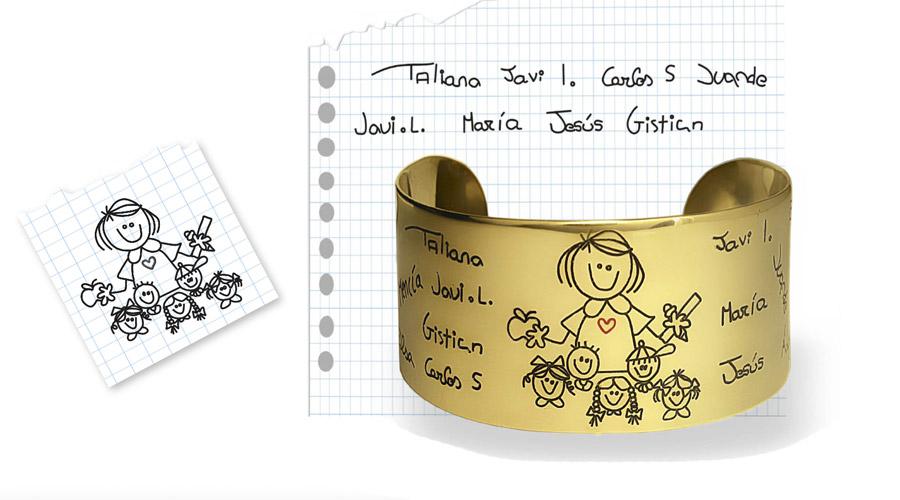 """Pulsera dorada """"Horizonte"""" con nombres de alumnos, de Joyería Hago."""