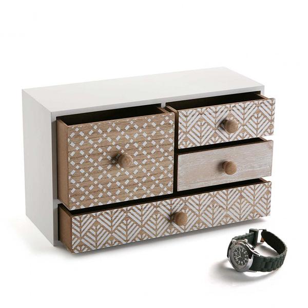 Caja de madera con compartimentos, de Versa.