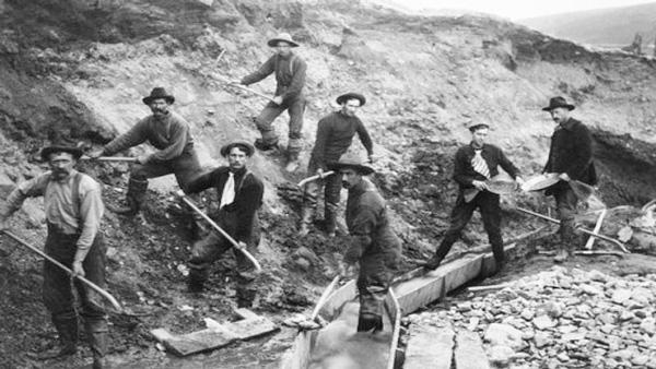 Foto de buscadores de oro en California